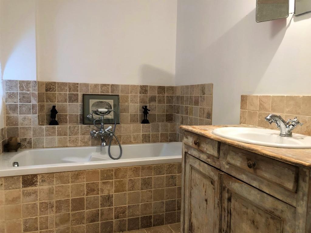 salle-de-bain-propriete-charme-perche-a-vendre