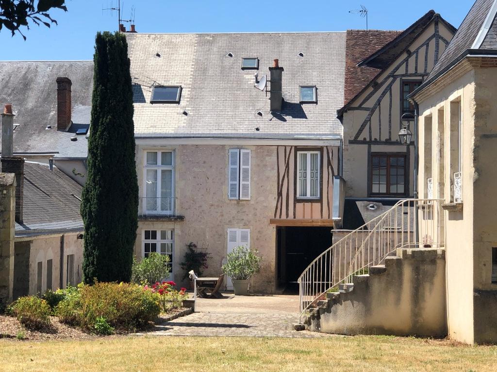 exterieur-belle-demeure-a-vendre-ferte-bernard