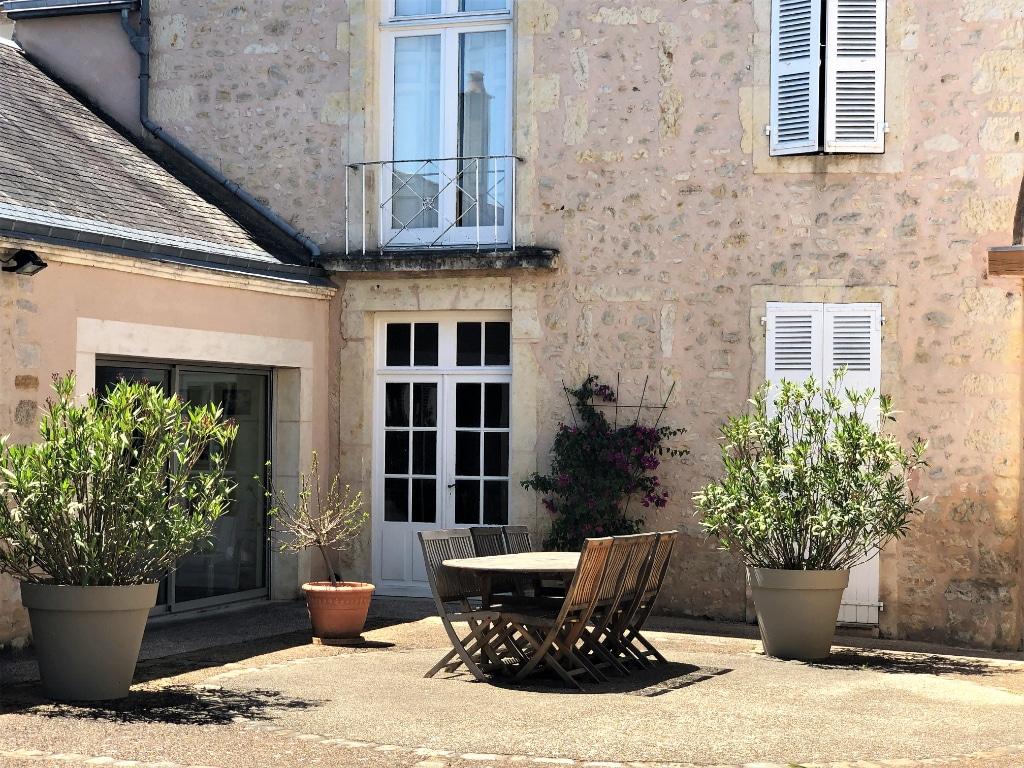 terrasse-belle-demeure-a-vendre-ferte-bernard