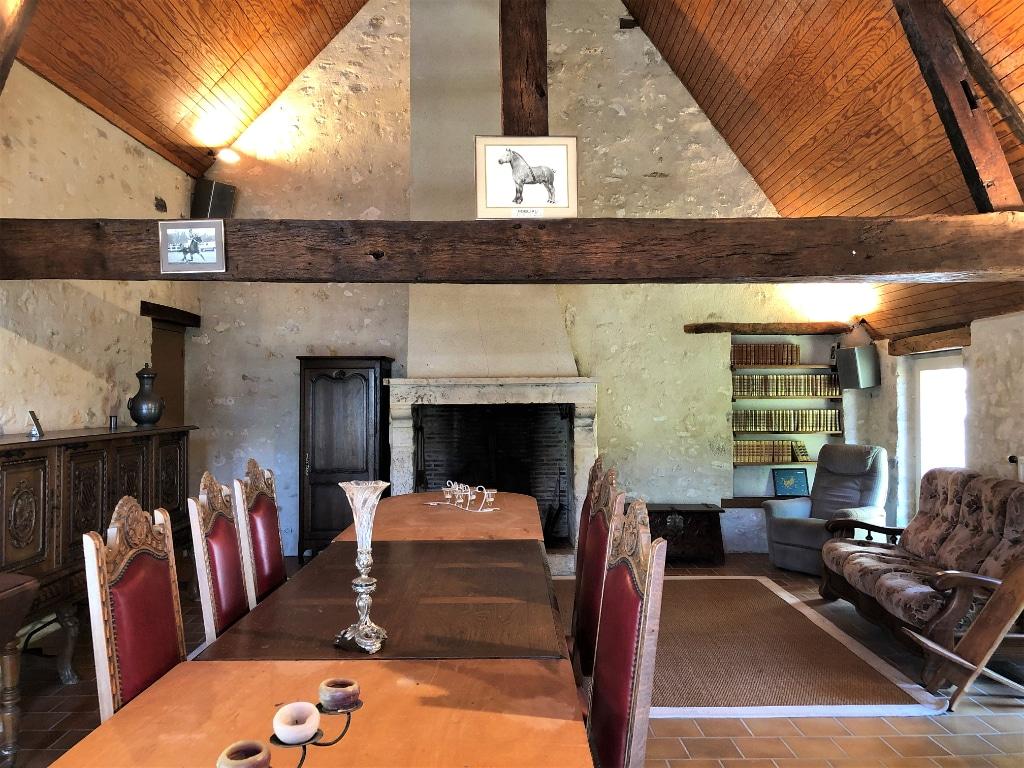 salle-a-manger-belle-demeure-a-vendre-ferte-bernard