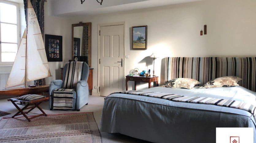 belle-demeure-a-vendre-alencon-chambre