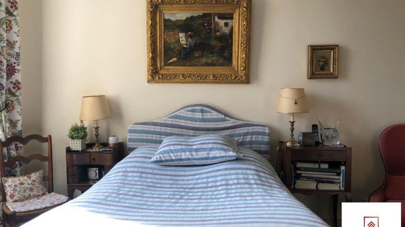 belle-demeure-a-vendre-alencon-chambre-bleue