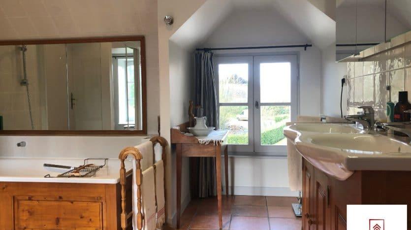 belle-demeure-a-vendre-alencon-salle-de-bains