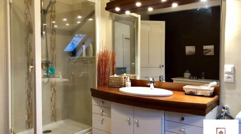 maison-a-vendre-alencon-salle-de-bain-douche