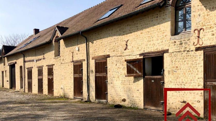 ecurie-demeure-normande-a-vendre