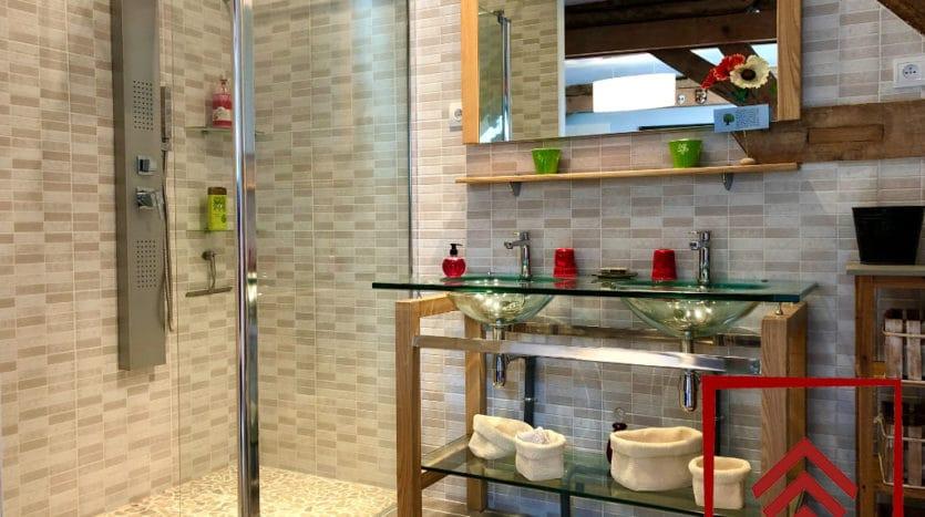 presbytere-a-vendre-sees-salle-de-bain