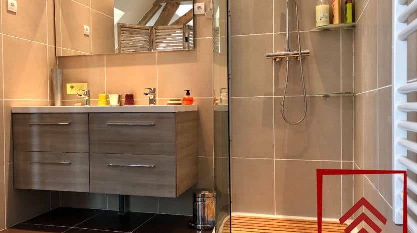 presbytere-a-vendre-sees-salle-de-bain-2