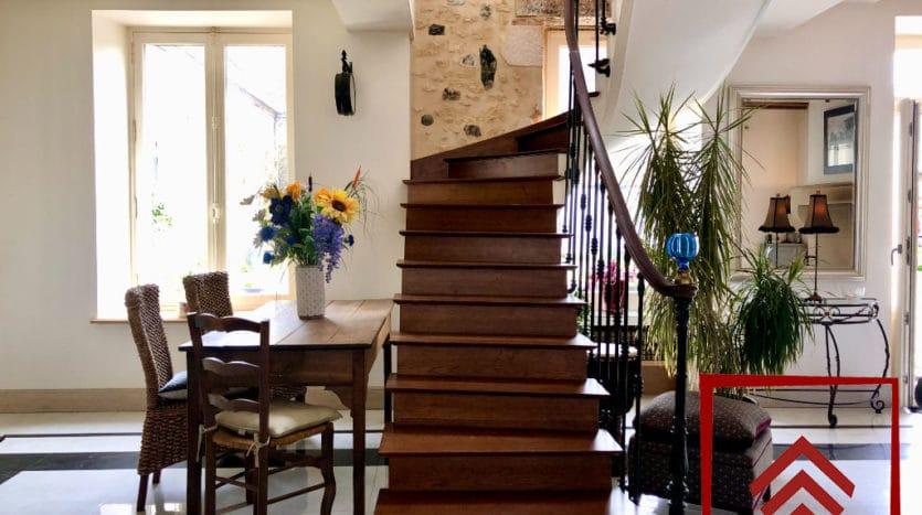 maison-de-ville-a-vendre-belleme-escalier