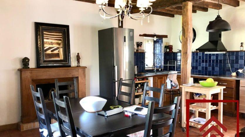 ferme-a-vendre-perche-facade-salle-cuisine