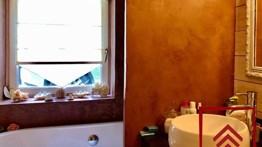 propriete-charme-perche-a-vendre-salle-bain